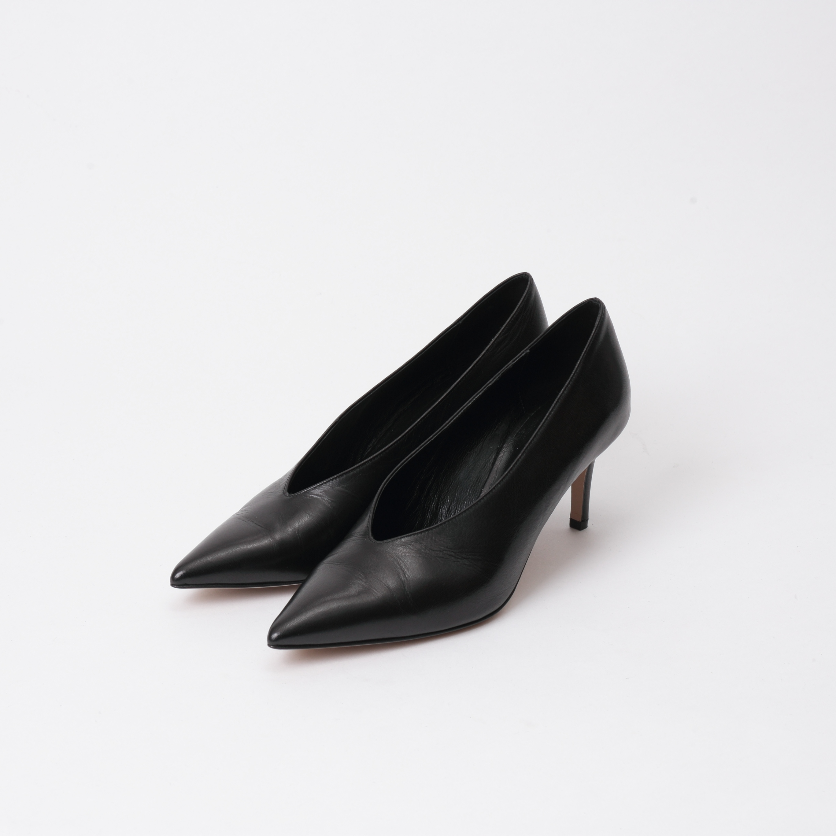 PUMPS ¥26,000+tax / FABIO RUSCONI