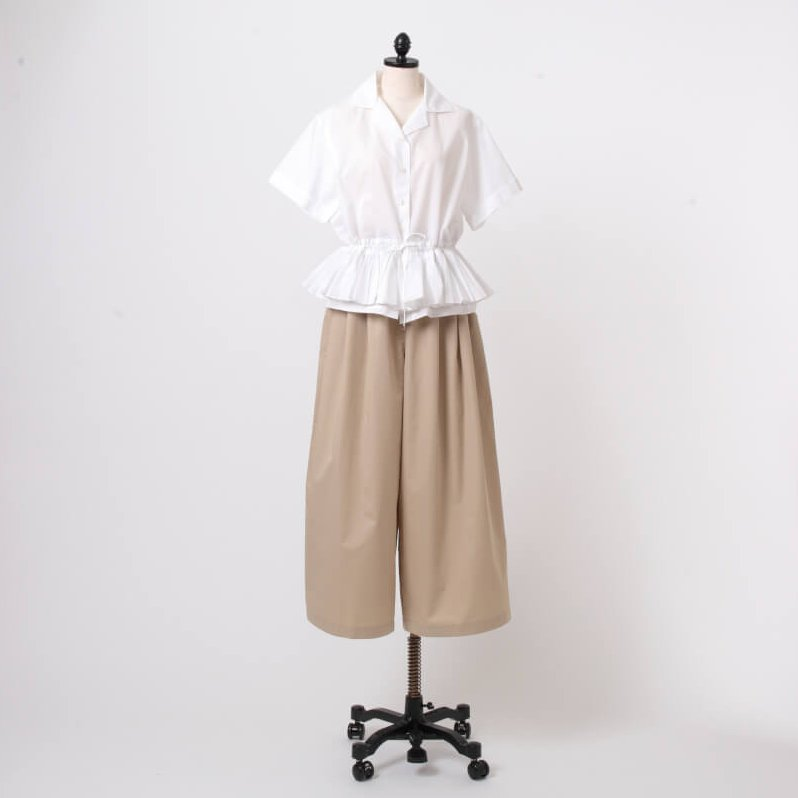 BLOUSE 58,000円+tax/TOME PANTS 64,000円+tax