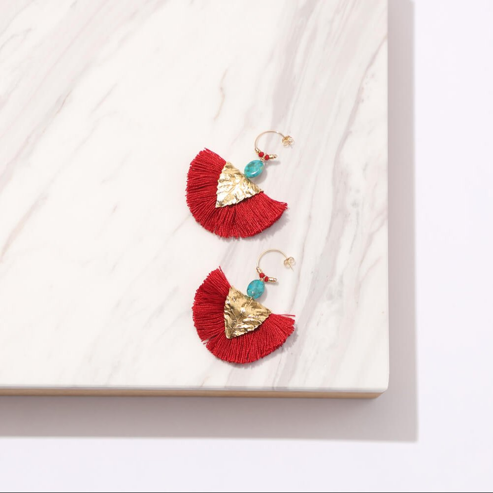EARRINGS ¥29,000+tax/ELISE TSIKIS PARIS