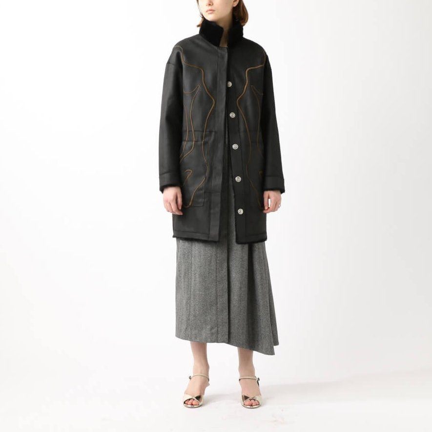 OUTER 305,00円+tax SPRUNG